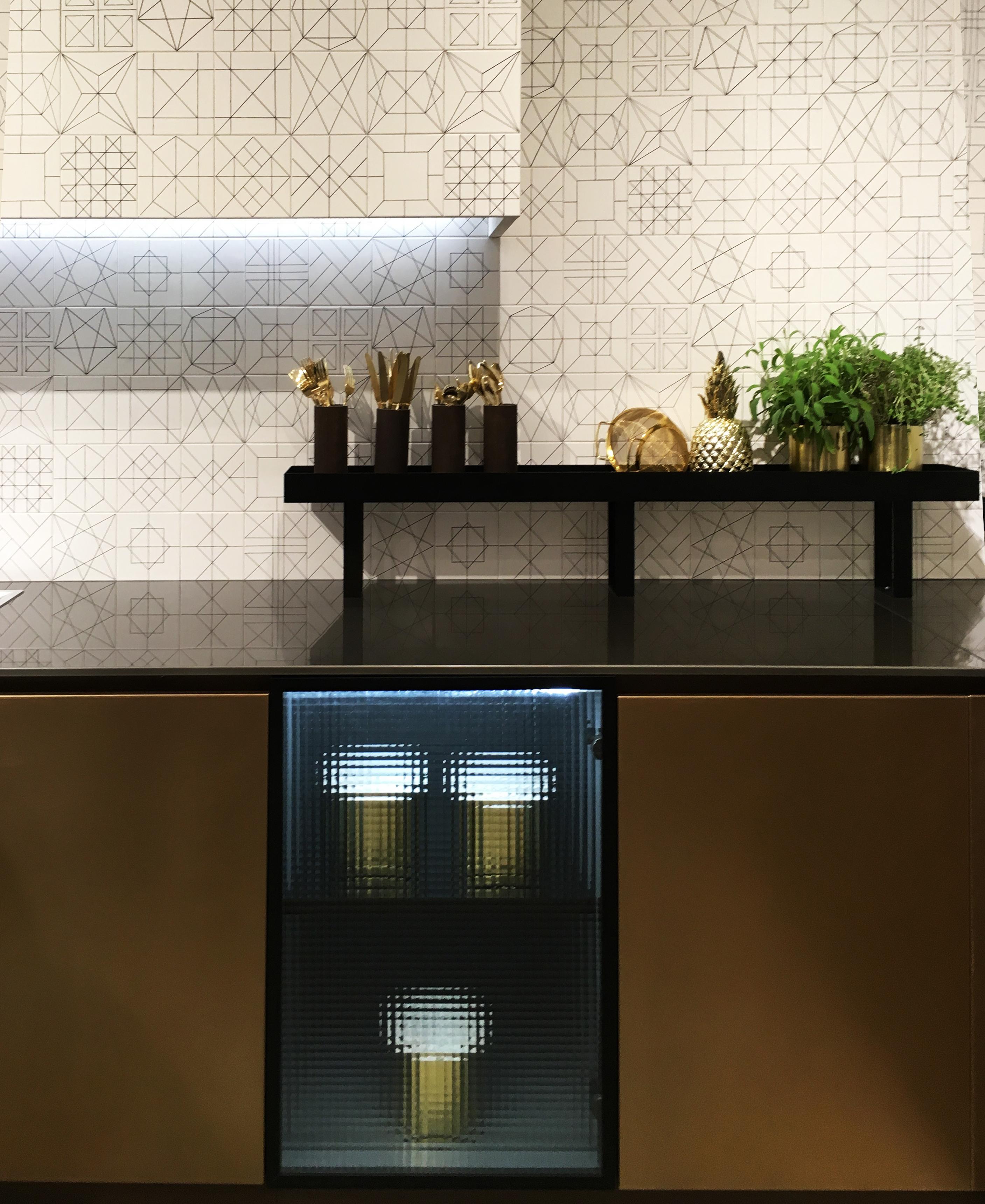 backlit-cabinet2