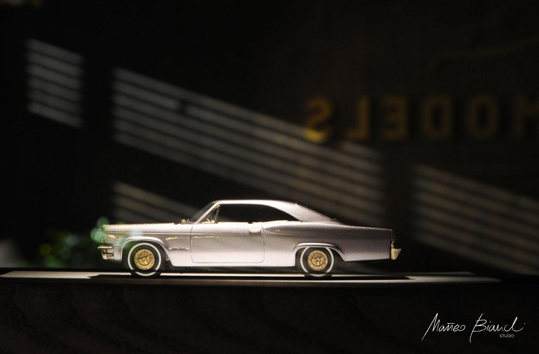 car model exhibition design dark wood niche
