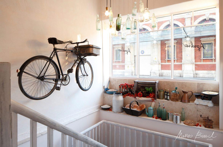 wide window display bike Smithfields design