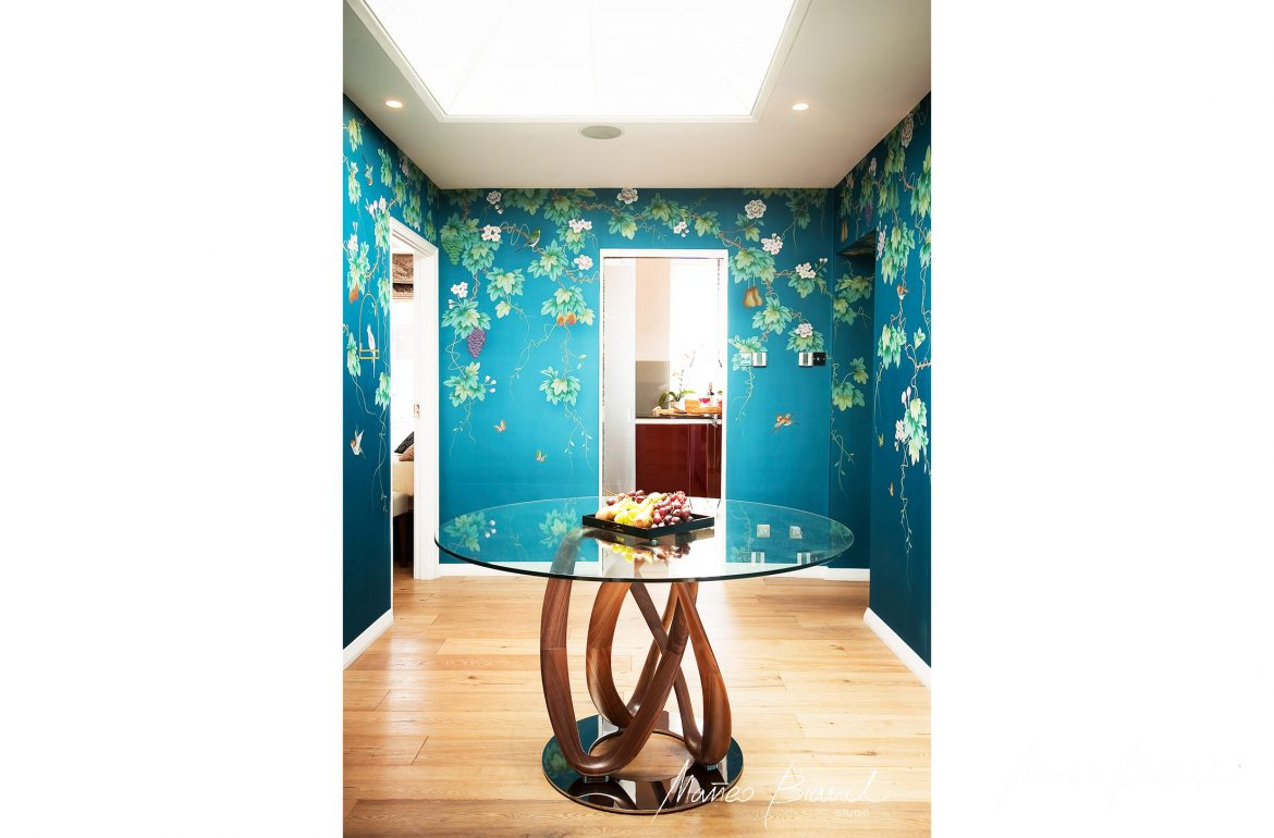 blu flower wallpaper asian glass hallway