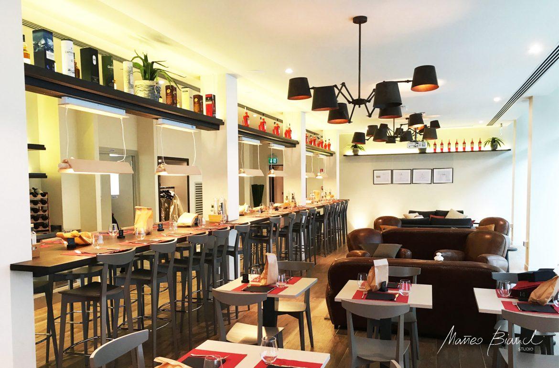 Matteo Bianchi Mof restaurant Venice in-build long table